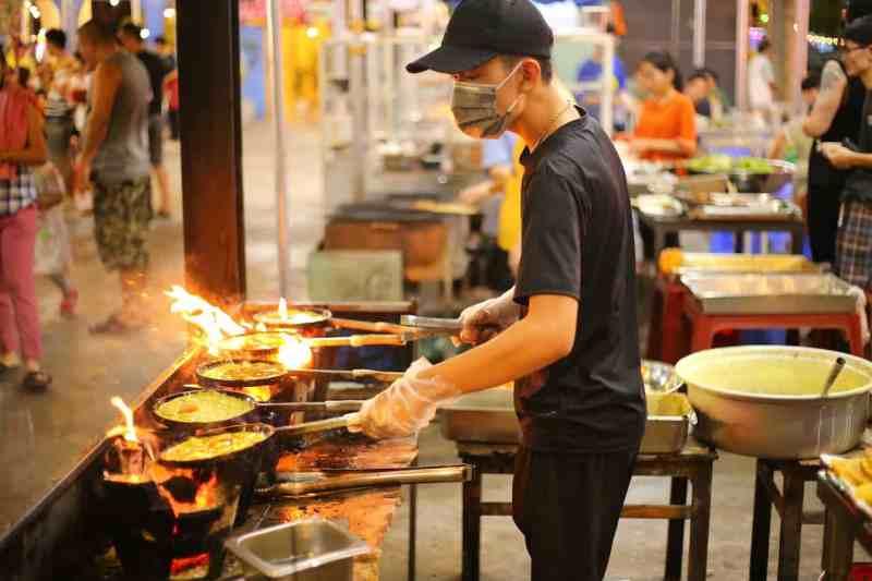 things to do in Da Nang, Cho Dem Son Tara Night Market