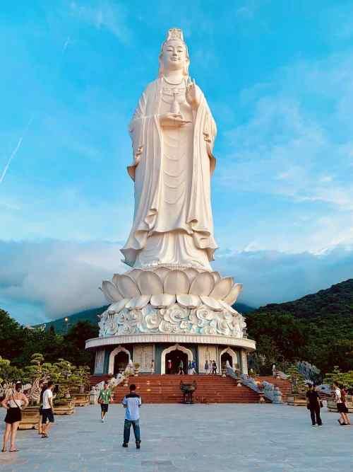 Things to do in Da Nang, Linh Ung Lady Buddha