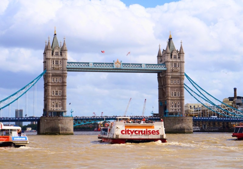 things to do in winter in London, River Thames Cruise