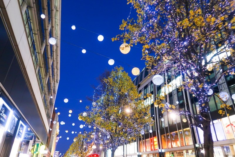 things to do in winter in London, Oxford Street at night