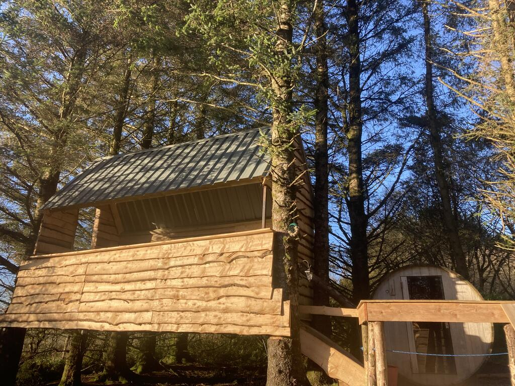 Cabin in the woods outside, glamping pod with hot tub wales