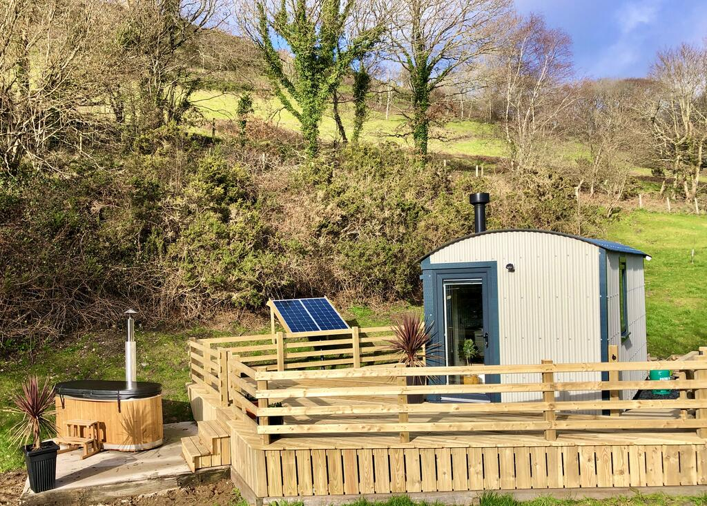 Mid Wales Luxury Glamping hut outside, glamping pod with hot tub wales