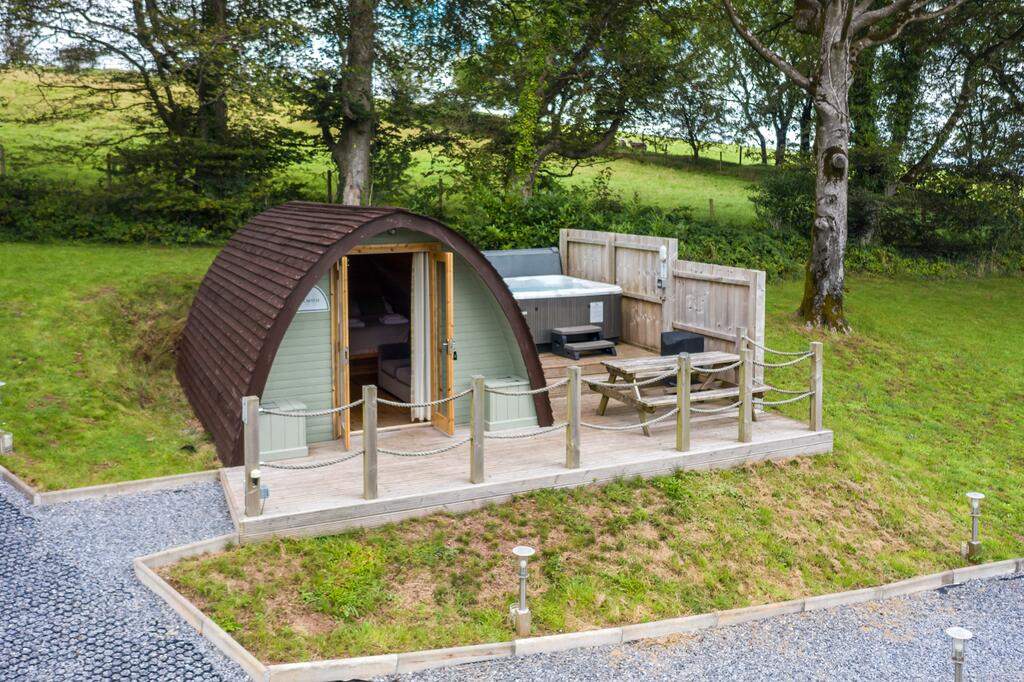 Glamping Pods in wales with Hot tub