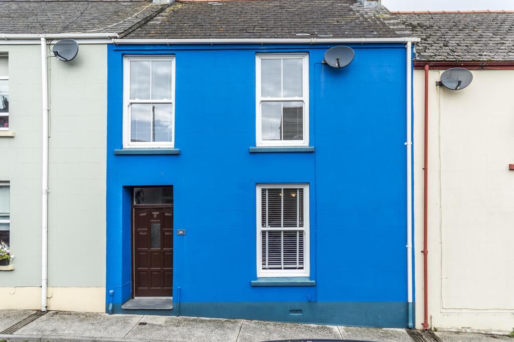 Sandy Retreat Cottage Tenby Blue Exterior