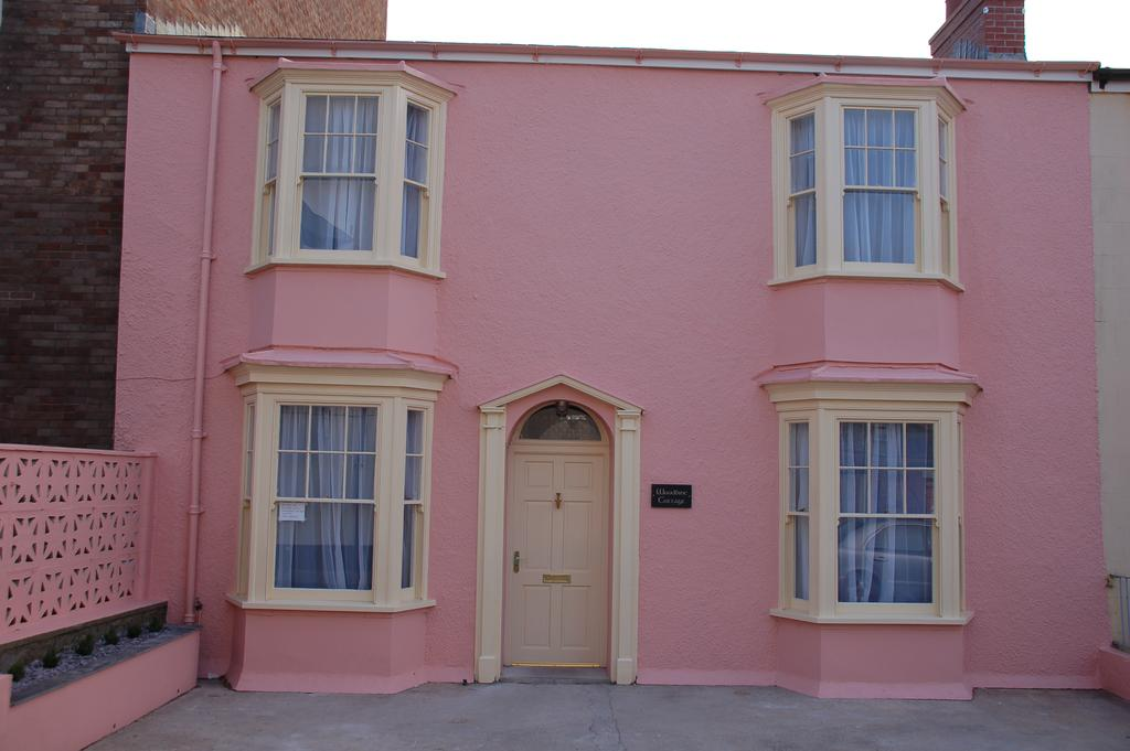 Woodbine Cottage Tenby Pink Exterior