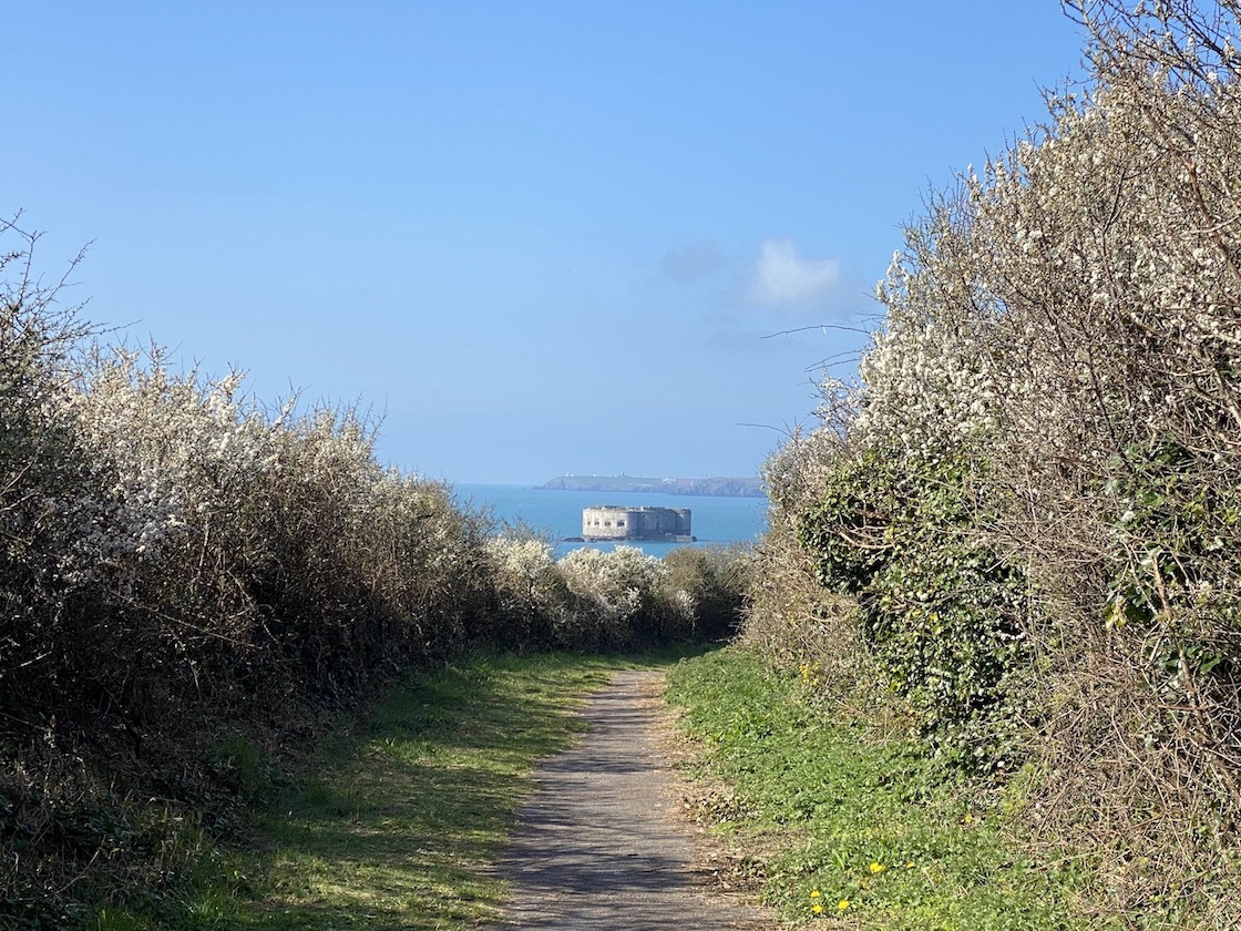 footpath to Stack Rock Fort