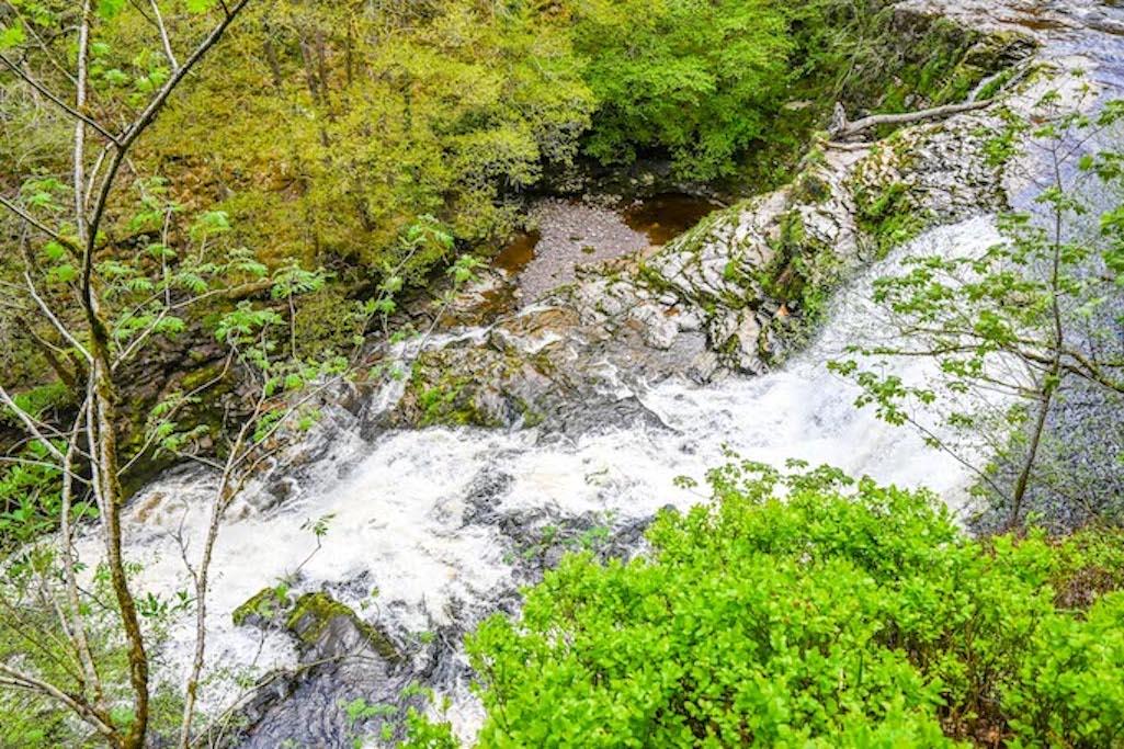 Sgwd Isaf Clun-Gwyn, Brecon Beacons Waterfalls Walk
