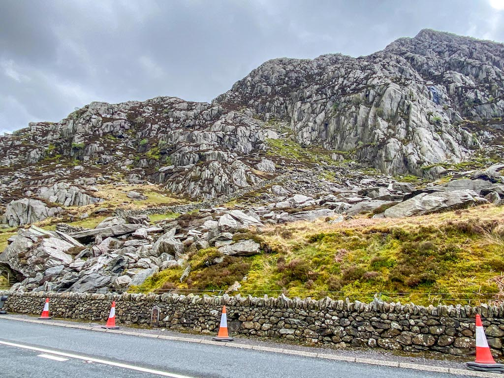 Tryfan mountain climbing route