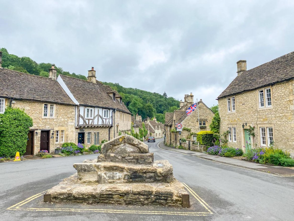 Cornwall Road Trip from London, cotswolds