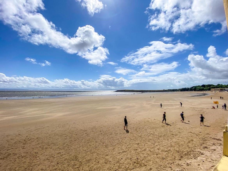 beaches near Cardiff, Barry Island Beach