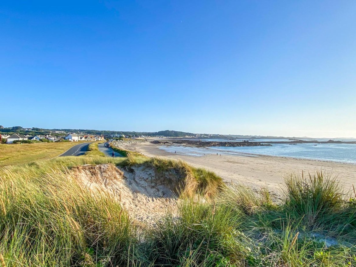 Things to do on Guernsey, Cobo Bay Beach