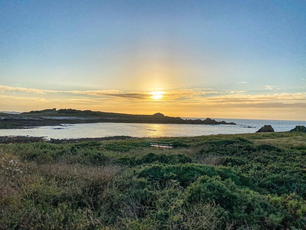 Things to do on Guernsey, Cobo Bay Sunset