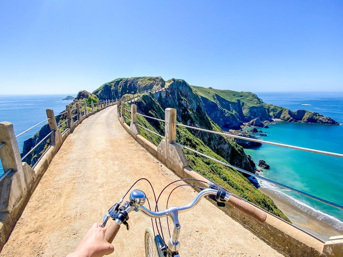 Things to do on Guernsey, La Coupee Little Sark and Big Sark bike ride