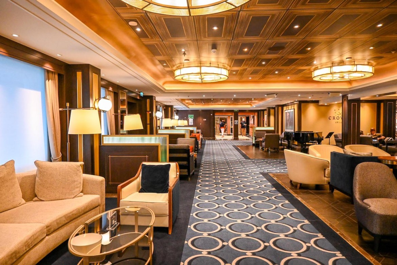 Princess Cruises from Southampton, Sky Princess Crown Grill Lounge