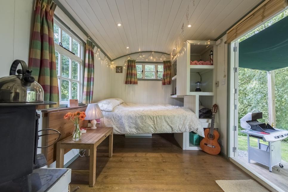 glamping in Devon, glamping hut devon inside