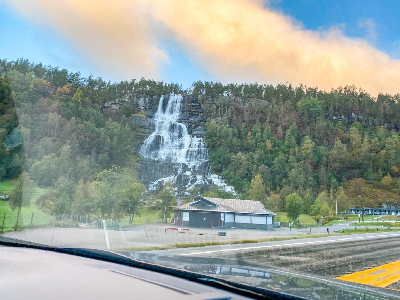 Norway road trip, Tvinnefossen waterfall