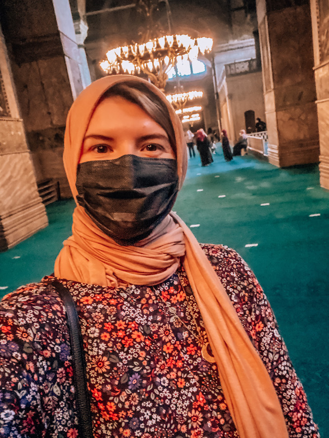 What to wear in Istanbul, packing a scarf for istanbul