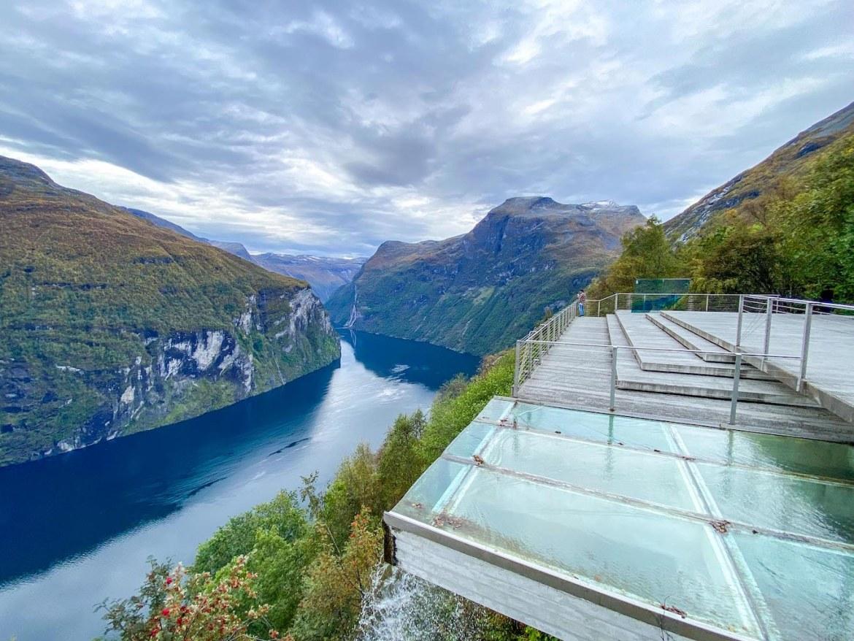 Norway road trip, Ørnevegen Viewpoint over Geirangerfjord