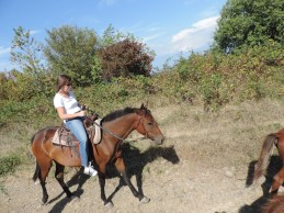Showing off my mad horsewoman skills