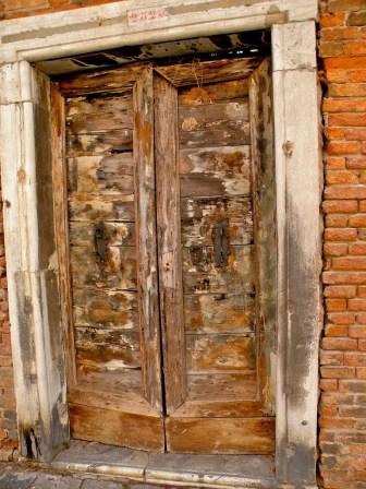 Weathered door, S. Margherita
