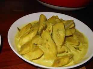 Alu kehel (ash plantain) white curry