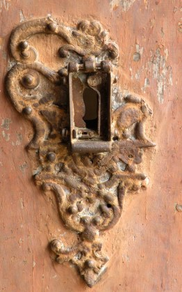 Frontplate of the lock (c. 1749) on the front door of the Dutch Reformed Church in Pettah