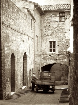 Wandering the Back Streets - San Gimignano Delivery