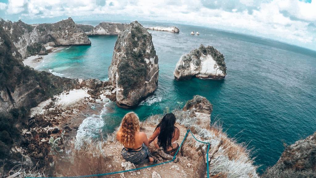 Como posar para fotos de viagens: O que fazer e o que não fazer por tirar fotos incríveis do Instagram