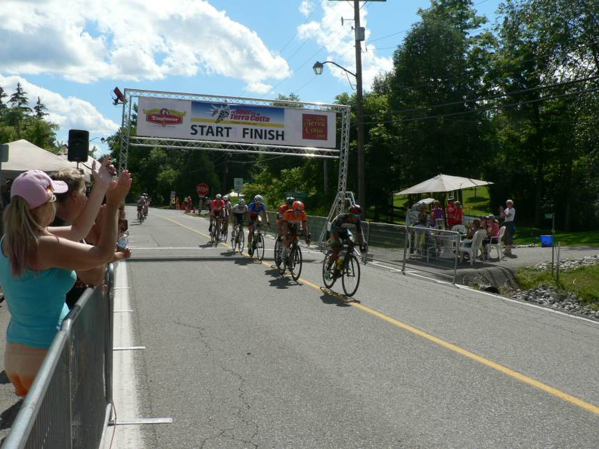 With only a couple laps left a strong chase group formed including Perry's teammate Ryan Roth.