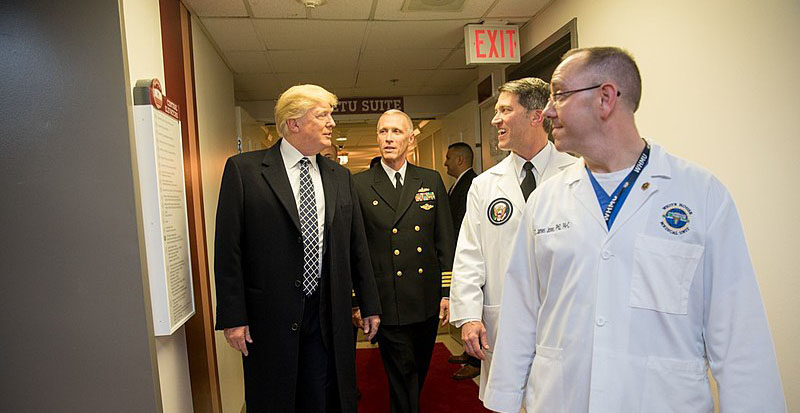 800px-Donald_Trump_following_annual_physical_2018
