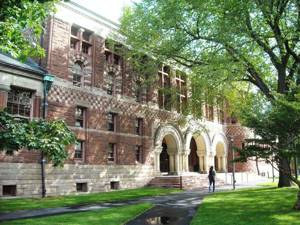 Harvard_University_campus-314 (1)