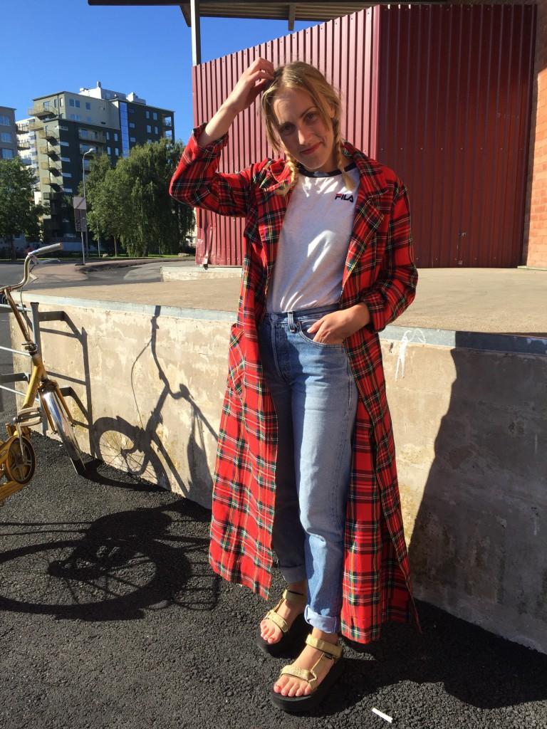 Second hand kappa, Filatopp från Tokyo, jeans från Klädoteket.