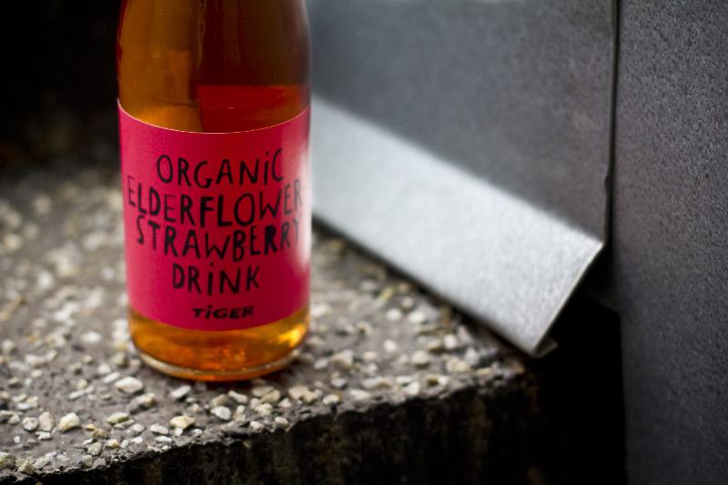 Organice Elderflower Strawberry Drink Tiger