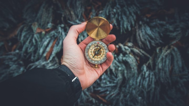 Image: Compass by Valentin Antonucci (Unsplash)