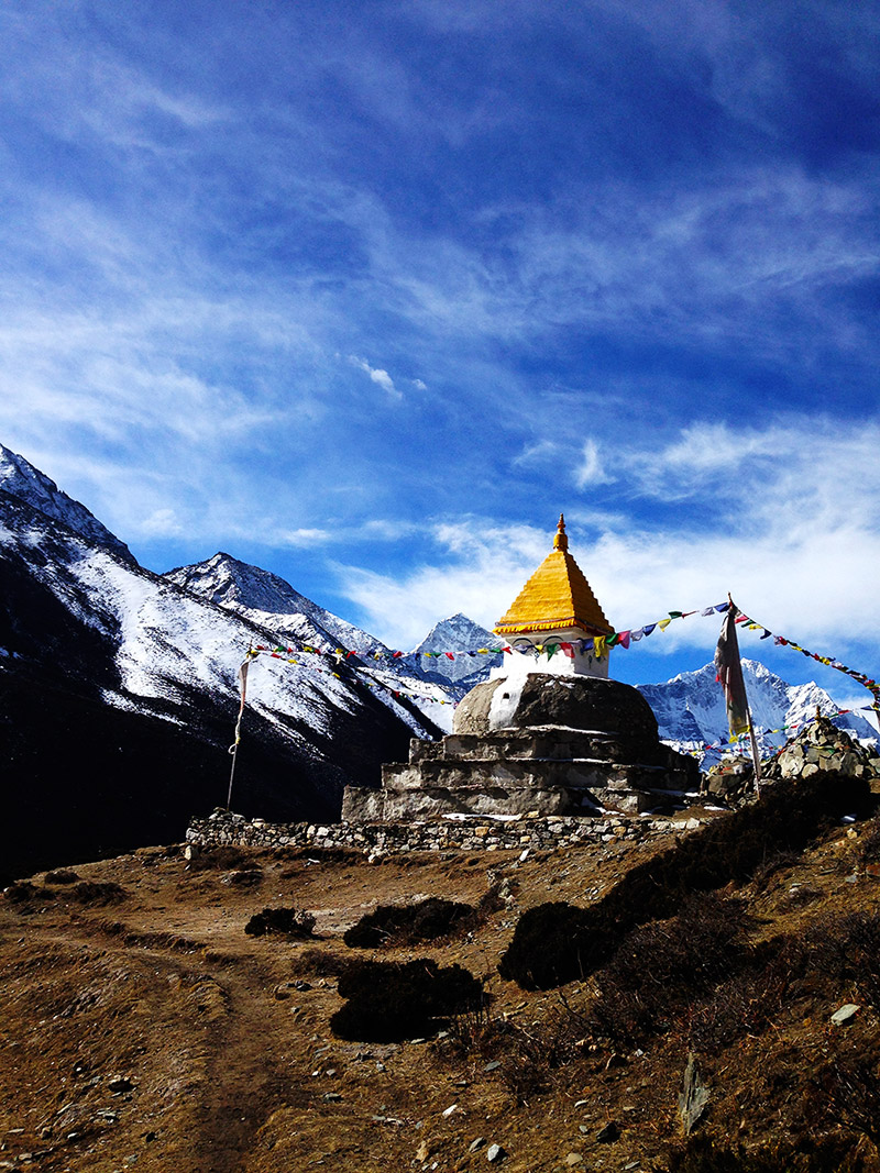 stupa on the descent from everest base camp landscape himalayas