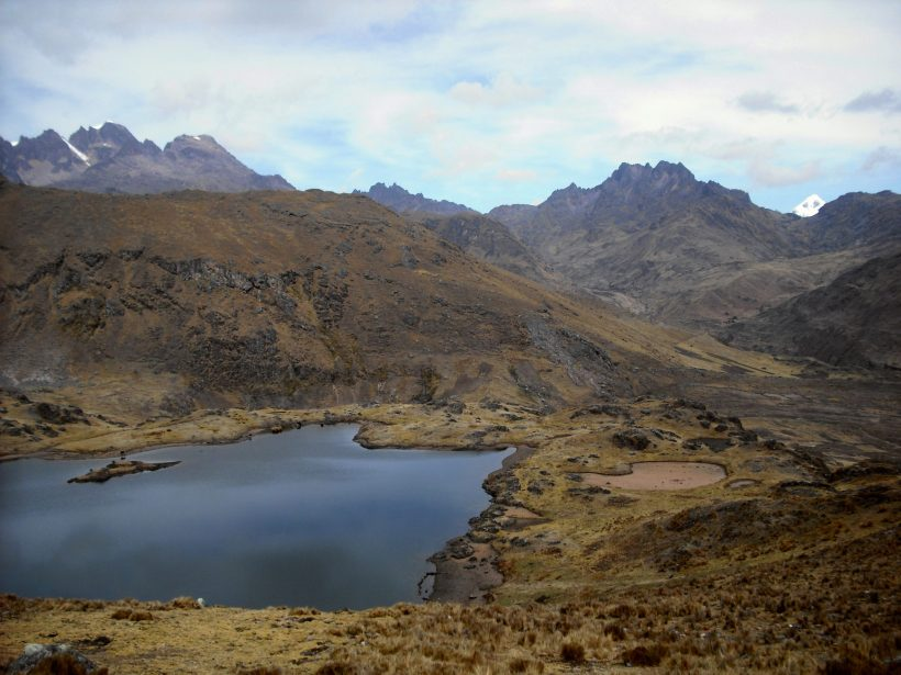 hiking trails in peru