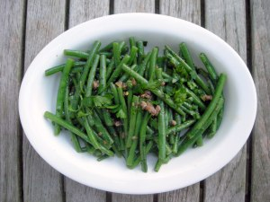 Vegetables, beans, French, blanched, with anchovies and garlic 1
