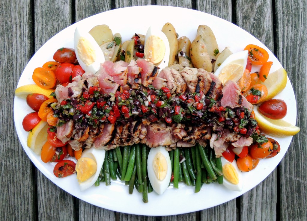 Fish, tuna, pan-seared tuna steaks with Nicoise vinaigrette 1