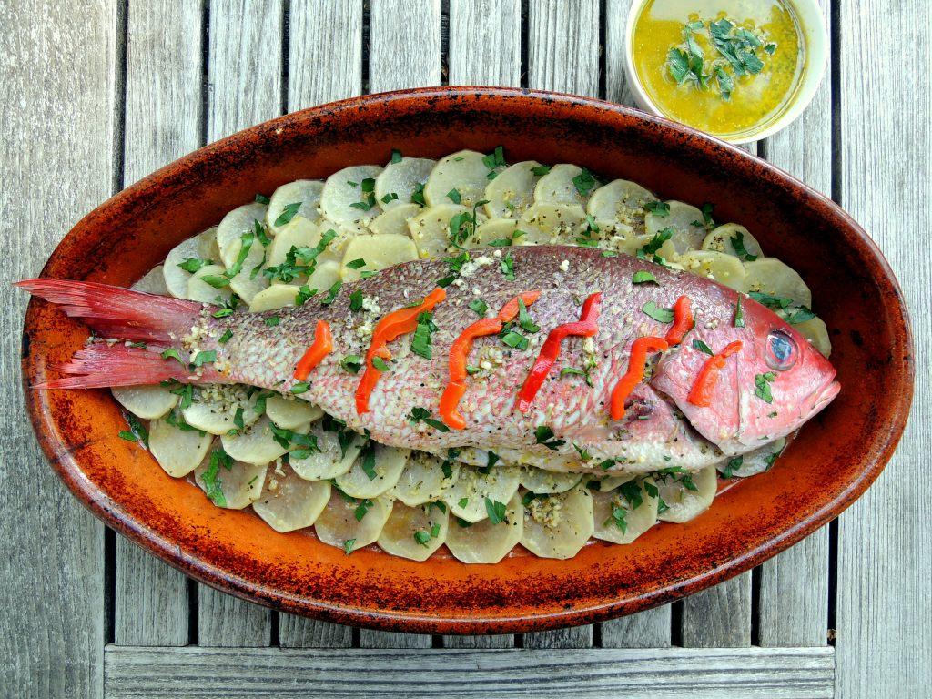 Fish, red snapper, pargo asado con salsa esmeralda 1
