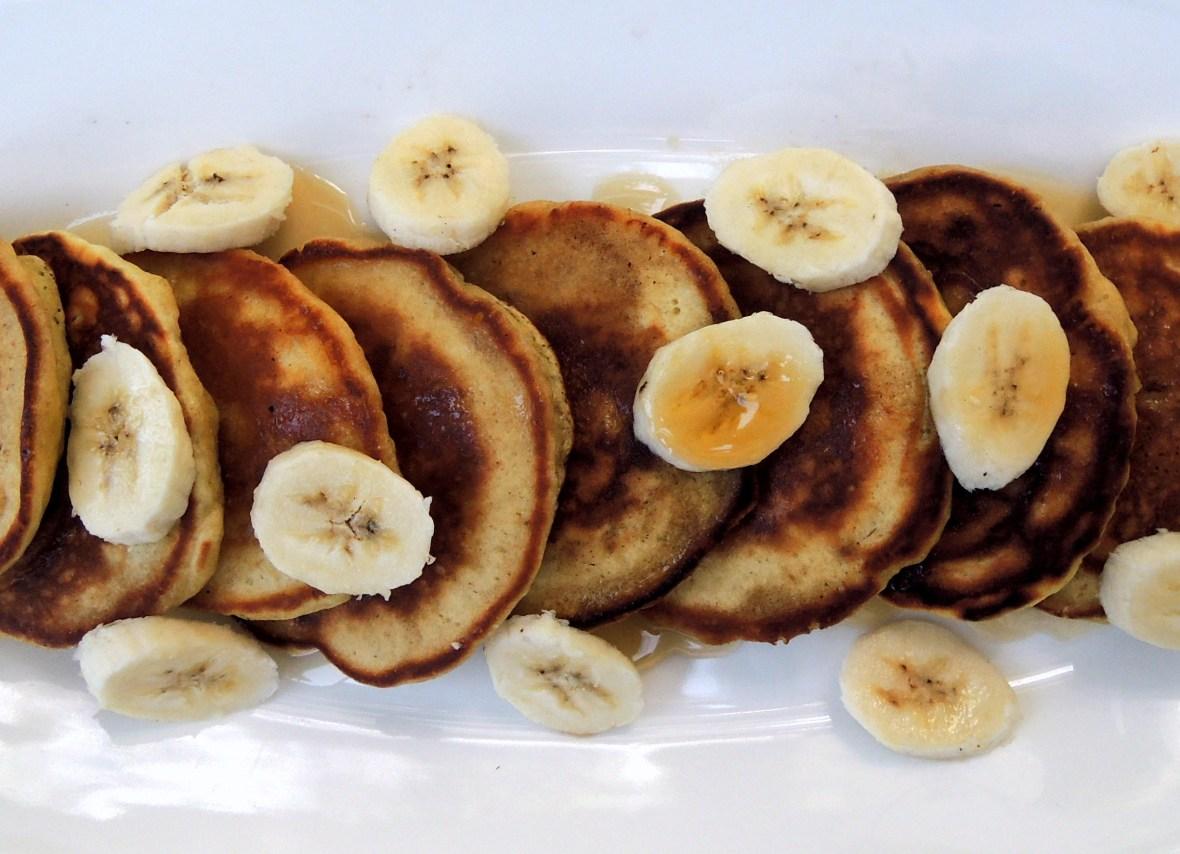 Pancakes, drop scones, flapjacks, griddle cakes, hotcakes et al, banana pancakes 2