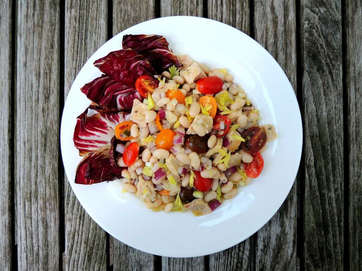 Salads, tuna, insalata di tonno con fagiole e radicchio 1