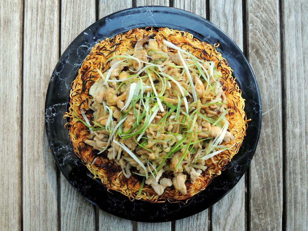 pasta-pan-fried-noodles-with-chicken-and-shredded-vegetables-1