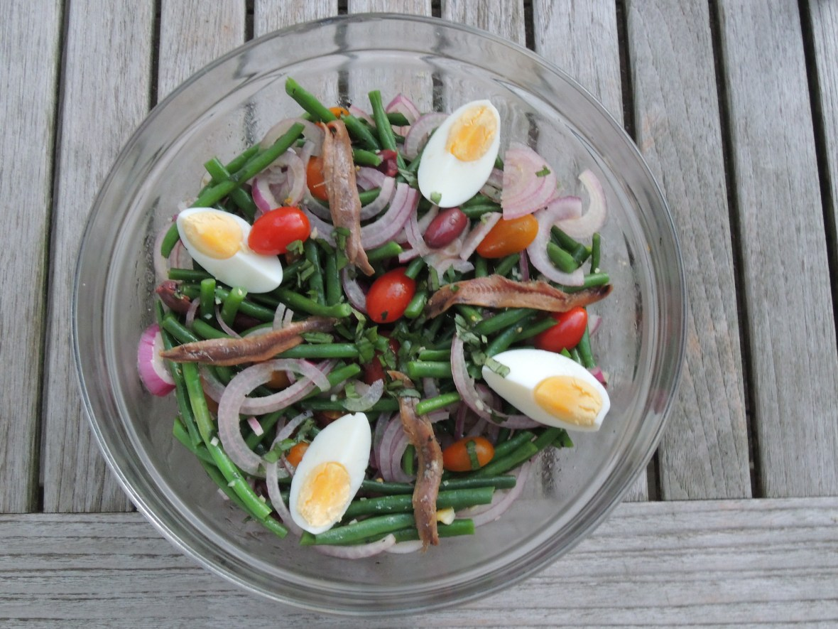 Salads, vegetable, green bean salad with tomatoes and red onion 1