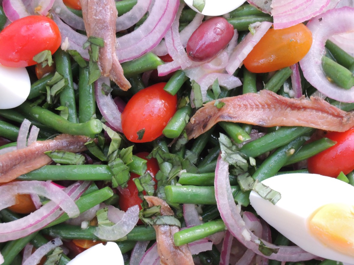 Salads, vegetable, green bean salad with tomatoes and red onion 2