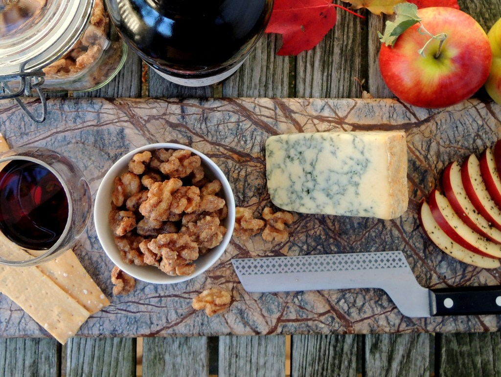 Desserts, cheese and fruit, apples with Stilton and Port 2