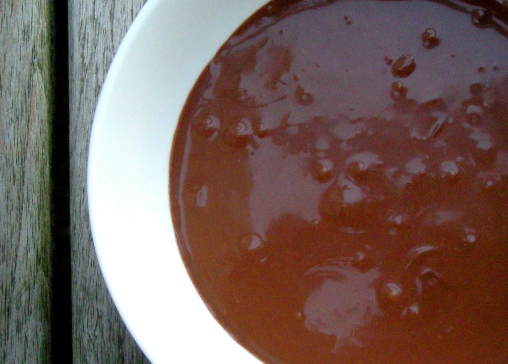Desserts, sauces, chocolate sauce 2