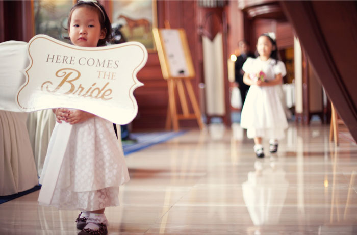 www.theweddingnotebook.com. Ndrew Photography. Blush Pink and Black wedding