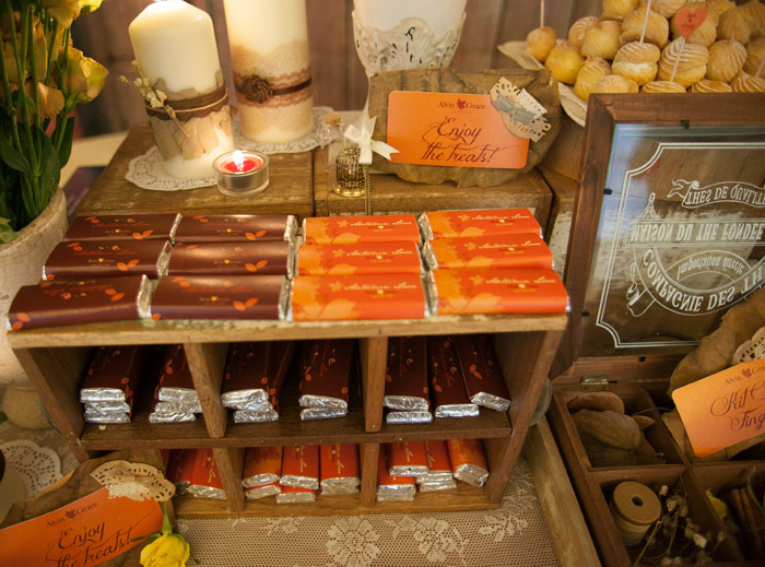www.theweddingnotebook.com. Concept and Décor by Storybook. Autumn-themed wedding