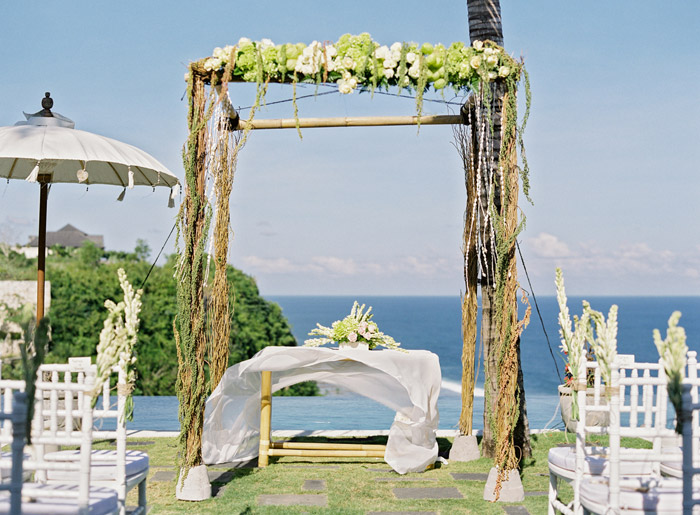 Wedding at Semara Resort in Uluwatu. Vicki Grafton Photography. www.theweddingnotebook.com