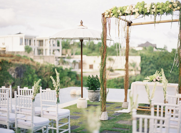 Wedding at Semara Resort in Uluwatu, Bali. Vicki Grafton Photography. www.theweddingnotebook.com